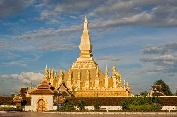 pha-that-luang-the-golden-stupa-in-laos